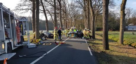 Auto's botsen op Poppenallee in Dalfsen
