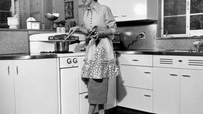 """Nieuwe beweging ijvert voor terugkeer van de huisvrouw: """"Maar vrouwen zaten vroeger helemaal niet aan de haard"""""""