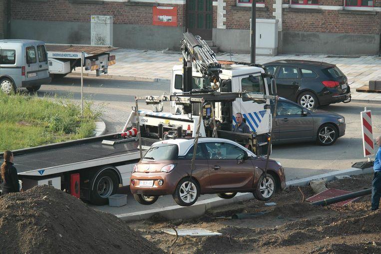 De wagen van de vrouw werd getakeld.