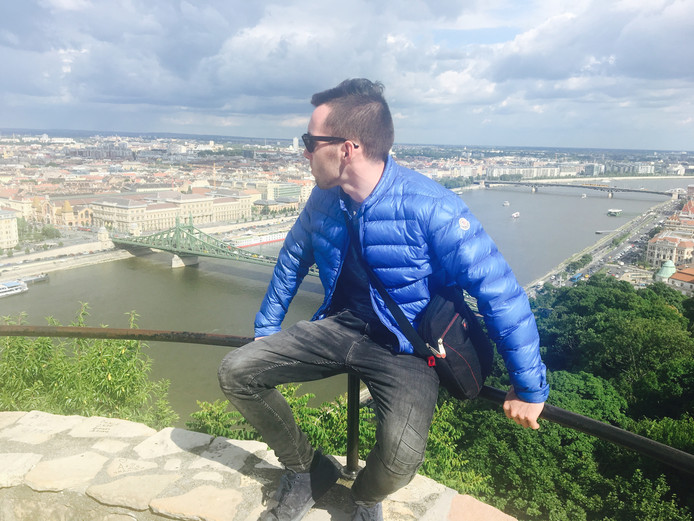 """Max Meijer uit Ossendrecht, die in december verdronk in de Schelde bij Antwerpen en onlangs werd gevonden, was volgens zijn familie eerder een huismus dan een grote vakantieganger. ,,Hooguit een stedentrip, zoals naar Boedapest."""""""