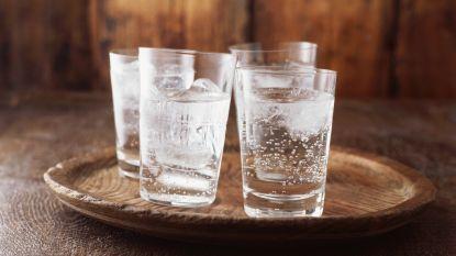 Is bruiswater even gezond als plat water? Alles wat je moet weten over het drankje