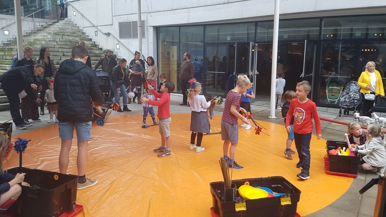 Circusschool Locorotondo gaf een circusinitiatie.