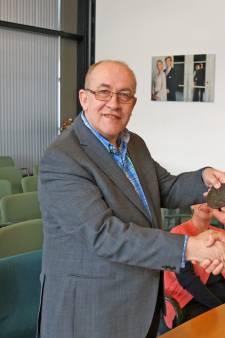 Strijen neemt afscheid van gezichtsbepalend raadslid Henk Kwakernaat