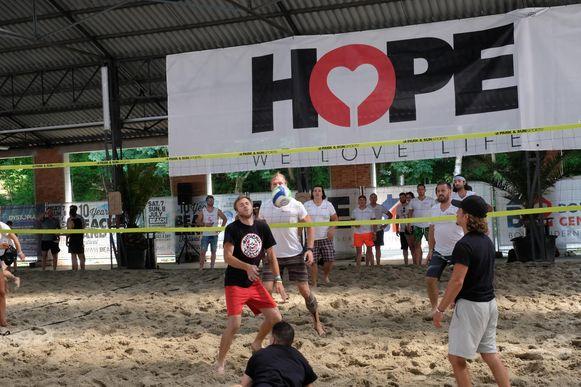 Op de vorige editie van HOPE Benefiet werd ook aan beachvolley gedaan.