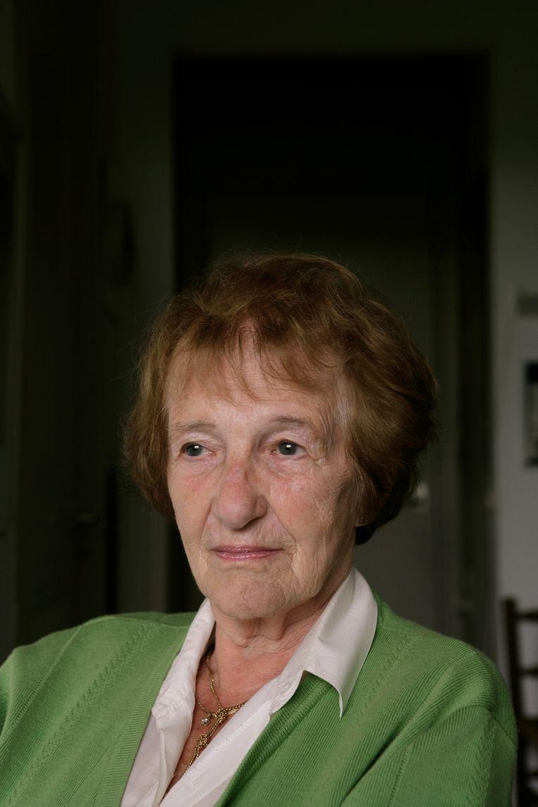 Schrijfster Marga Minco ontvangt de P. C. Hooftprijs op 99-jarige leeftijd  Beeld mark kohn