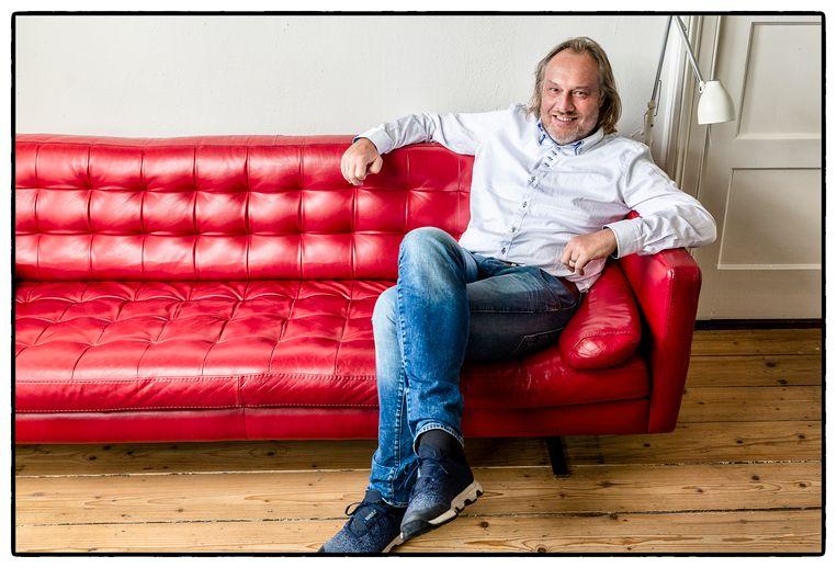 Ap Dijksterhuis is hoogleraar psychologie en geluksprofessor.
