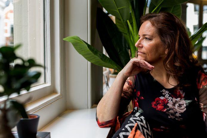 Linda van der Kwast pleit voor meer onderling begrip, want longproblemen zie je niet van de buitenkant.