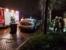Beginnende autobrand in Velp