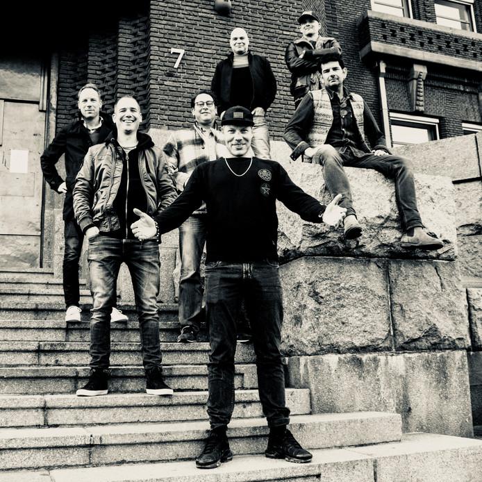 De Haagse band Splendid met zanger Pat Smith: ,,Wij gaan net als de Stones in 1964 de tent afbreken, alleen nu op een figuurlijke manier.''