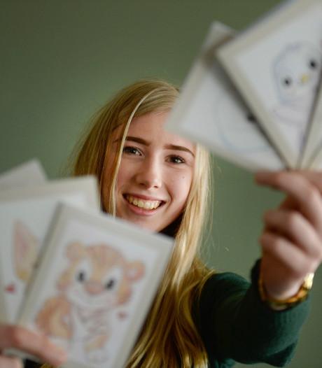 Mirthe (18) uit Denekamp maakt kaarten voor verzorgingstehuis
