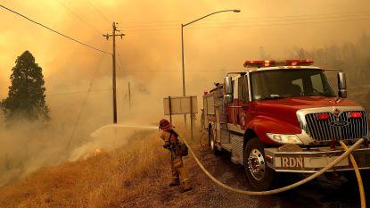 """""""Het ergste moet nog komen"""": zware bosbranden in Californië eisen minstens twee doden, tienduizenden mensen al geëvacueerd"""
