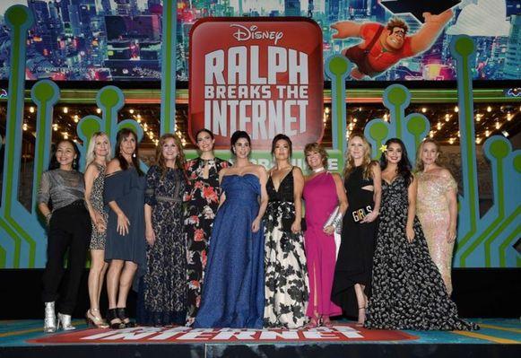 De actrices die de prinsessenstemmen inspraken voor de film kwamen samen naar de première. Van links naar rechts zien we Irene Bedard (Pocahontas), Kate Higgins (Doornroosje), Jennifer Hale (Assepoester), Jodi Benson (Ariël, alias 'De Kleine Zeemeermin'), Mandy Moore (Rapunzel), Sarah Silverman (Vanellope von Schweetz), Ming-Na Wen (Mulan), Paige O'Hara (Belle), Linda Larkin (Jasmine), Auli'i Cravalho (Vaiana) and Pamela Ribon (Sneeuwwitje).