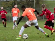 3A: Koploper SC Oranje gevloerd, tweede zege voor AZ 2000 en winst voor Dieren