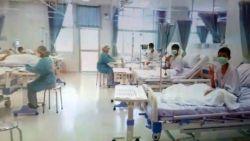 Aangrijpend én hoopgevend: de eerste beelden van geredde voetballertjes in ziekenhuis