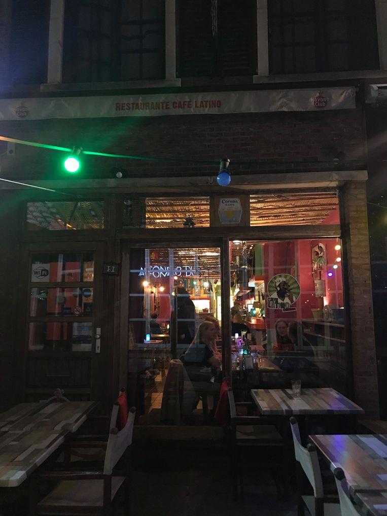 Café Latino.