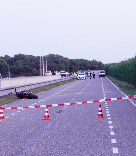 Motorrijder (22) verongelukt op Brouwersdam bij Scharendijke