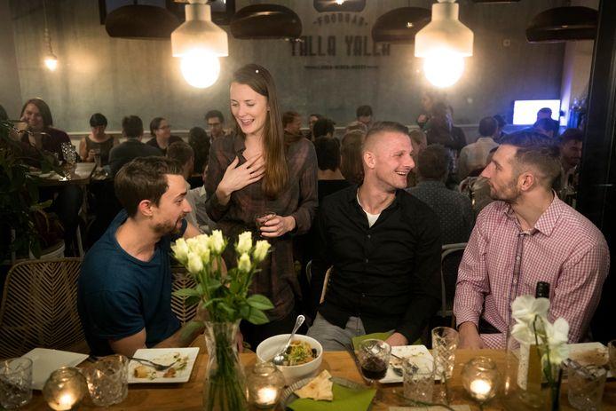 Thanksgiving- diner met Amerikanen onder elkaar, in de Bossche Yalla Yalla Foodbar.