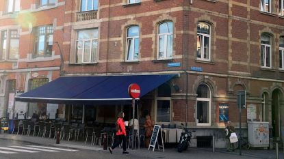 Cafébazin herkent inbreker in supermarkt