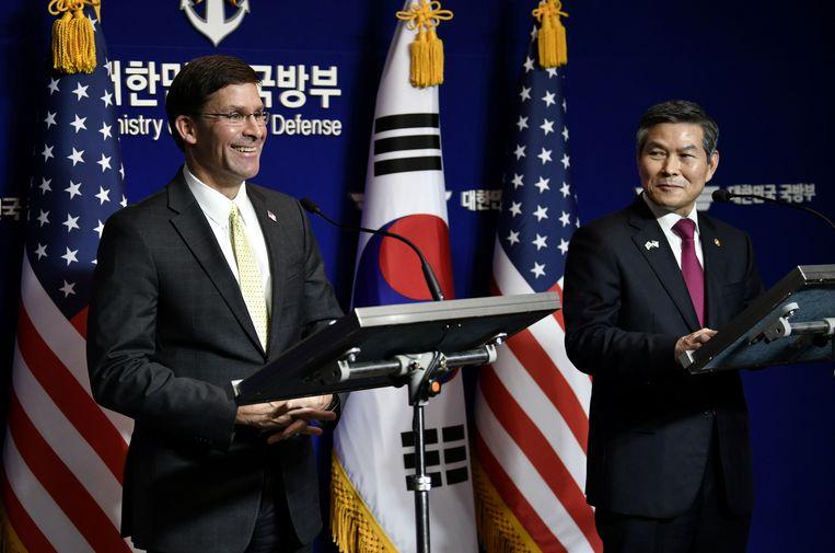 De Amerikaanse minister van Defensie Mark Esper en zijn Zuid-Koreaanse evenknie Jeong Kyeong-doo tijdens een eerdere ontmoeting in Seoul op 15 november, 2019.