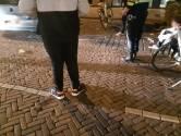 Boetes voor jongeren die zich niet aan coronaregels houden in Oosterhout