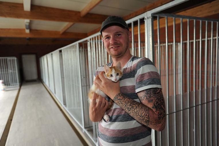 Het is momenteel bijzonder rustig in het dierenopvancentrum in Eppegem. Ferry Heikoop vreest voor een forse toename van het aantal dieren na de lockdown.