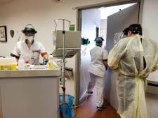 """Vierde golf van coronastudie UAntwerpen: """"Zorgmedewerkers geven vaker aan onveilig te moeten werken"""""""