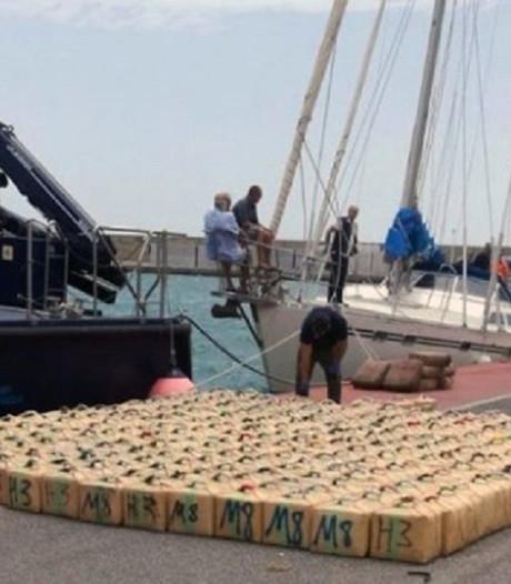 Nederlands zeilers voor Spaanse zuidkust betrapt met twaalf ton hasj