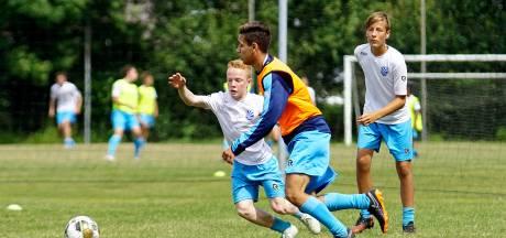Dani (17) hoopt op groeispurt en carrière als profvoetballer: 'Als ik 1 meter 70 word, ben ik tevreden'