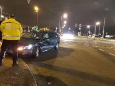 Taxi total-loss na flinke botsing op Laan op Zuid