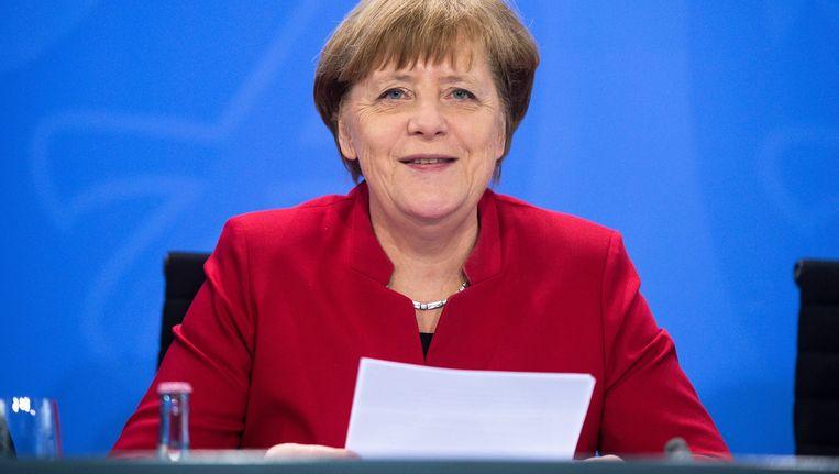 Merkel Ik Had Erdogan Gedicht Niet Bewust Kwetsend Moeten