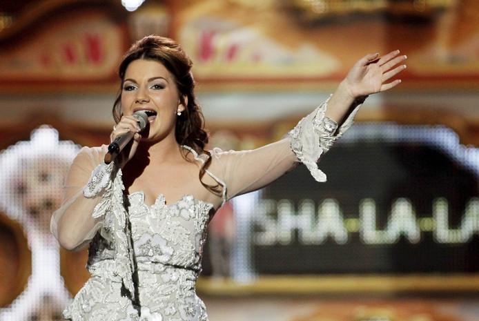 Sieneke is een van de weinige vrouwen die goed meedraait in het Nederlandstalige muziekcircuit. Ze deed mee aan het Eurovisiesongfestival met het nummer Sha-la-lie (Ik ben verliefd) en staat zaterdag 13 april in De Vijfsprong in Rucphen.