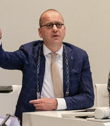 'Vredestichter en conflictvermijder' Theo Segers neemt afscheid als burgemeester van Staphorst