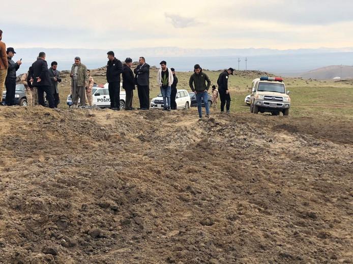 Het veld bij Erbil waarin, volgens lokale media, een van de Iraanse raketten is neergekomen