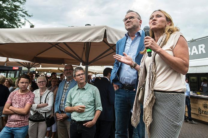 Ondernemers Christ en Jacqueline Monden van de Kruidenaer zijn winnaars geworden van de BOV trofee.