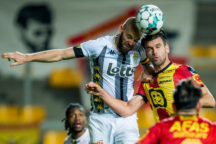 Charleroi's Dorian Dessoleil and Mechelen's Joachim Van Damme fight for the ball during a soccer match between KV Mechelen and Sporting Charleroi, Friday 06 November 2020 in Mechelen, on day twelfth of the 'Jupiler Pro League' first division of the Belgian championship. BELGA PHOTO JASPER JACOBS