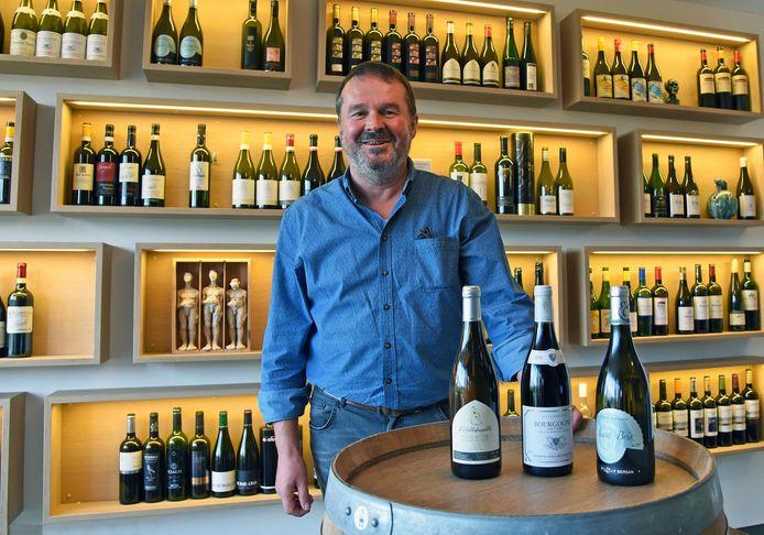 Wijnhandelaar en sommelier Paul Wallaert in Sint-Laureins.