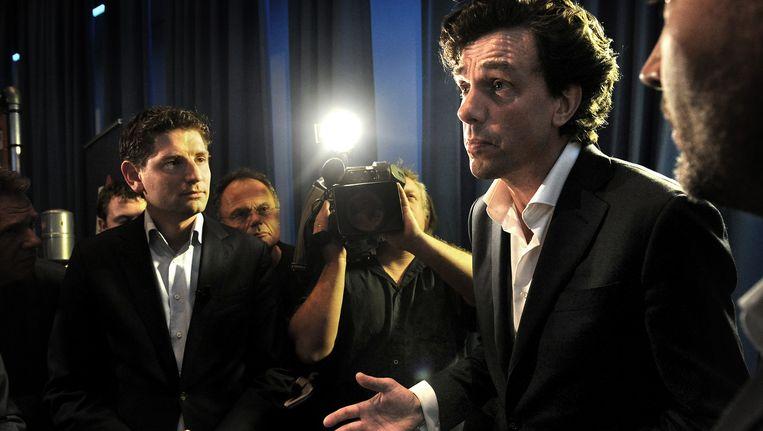 Pieter Hilhorst tegenover de pers over zijn verlies. Beeld Marcel van den Bergh