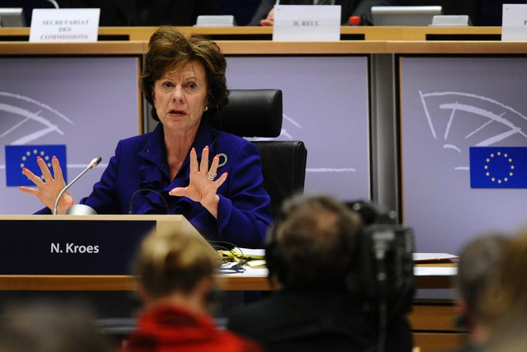 Neelie Kroes tijdens een van de hoorzittingen voor toekomstige EU commissarissen (AFP) Beeld AFP