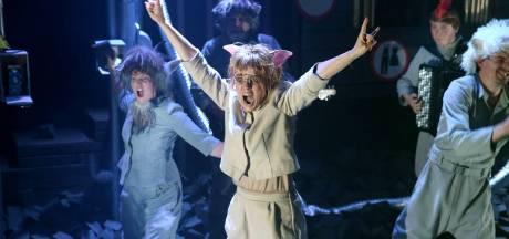 Zwijnenstal en GODcasts gratis online bij Enschede's jeugdtheater Sonnevanck