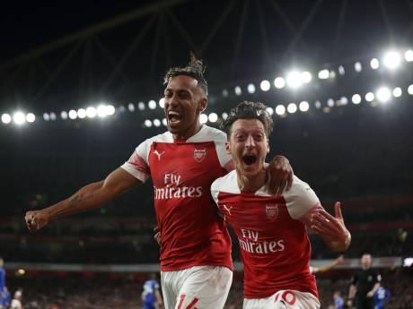 Arsenal swingt na rust voorbij Leicester City