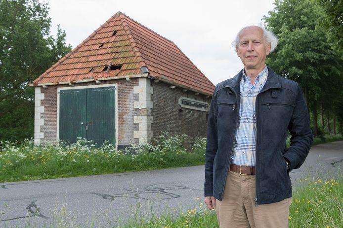 Gijs van Elk verspijkerde al voor 20.000 euro  aan de dijkstoel.