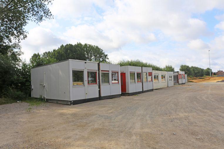 De containerlokalen van KLJ staan momenteel op de parking van het sportcentrum Outdoor Ternat.