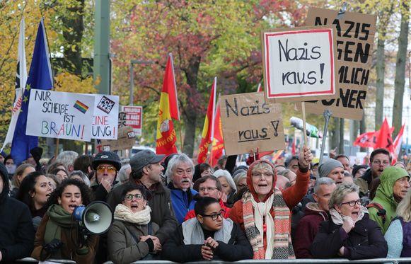 5000 betogers protesteerden tegen de neonazi-mars.