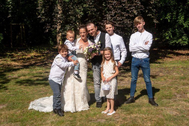 Björn en Karen met de vier zonen.