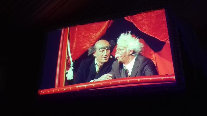 Toon Meulendijks (l) en Menno van Hoek als Statler & Waldorf op de Krutjesgatse Zittingsavond.