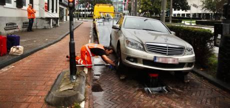Weer aanrijding met beweegbare paal in Arnhems centrum: drie lichtgewonden