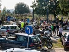 'Woon je in de buurt, ga dan niet met de auto naar de razend populaire Posbank'