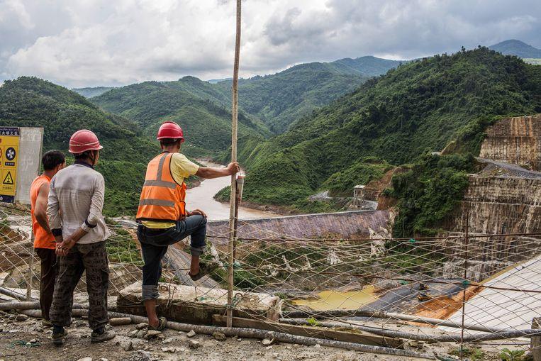 Aanleg van de Nam Tha-stuwdam in Laos.  Beeld Bloomberg via Getty Images