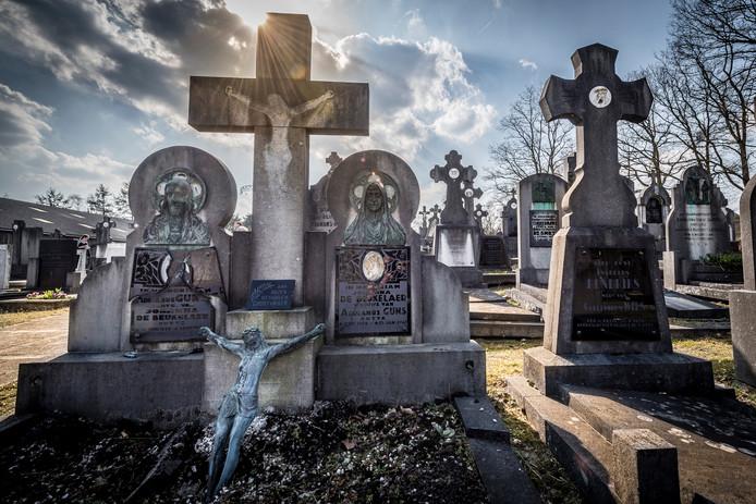 De begraafplaats aan de Antwerpsestraat .