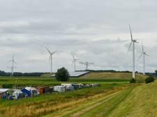 Windmolenpark naast Haven Zeven zit er volgens Waalwijk niet in; 'daar moet het landschap open blijven'
